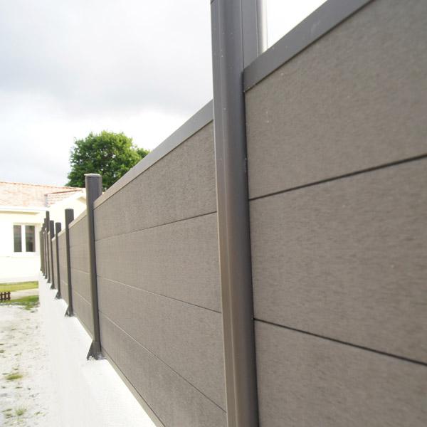 brise vue sur muret aluminium et composite